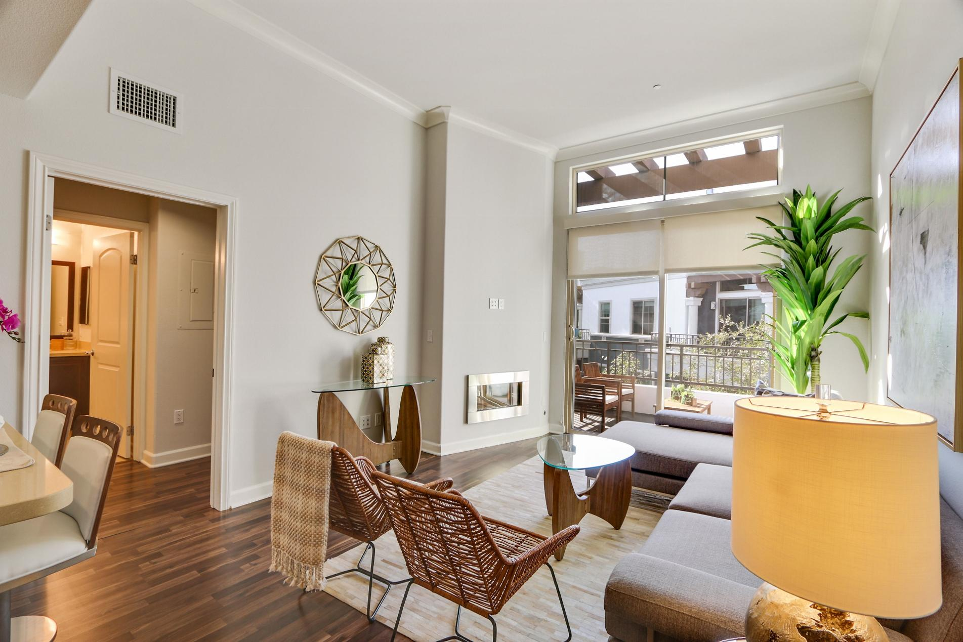 $4585 One bedroom Apartment for rent