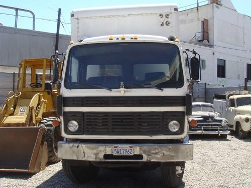 MACK BOX TRUCK BOX 24' WITH LIFTGATE 1987