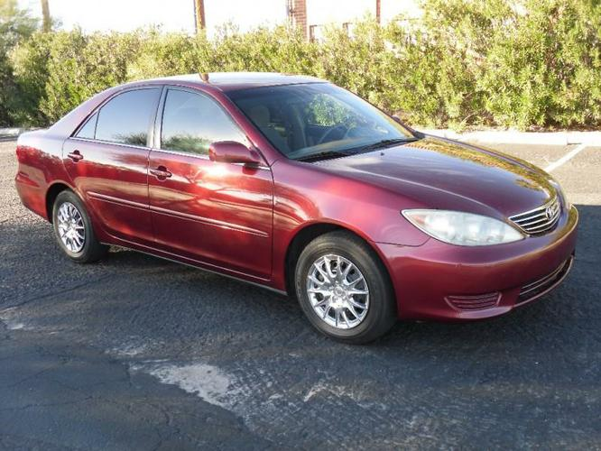 good looking car 2006 Toyota Camry