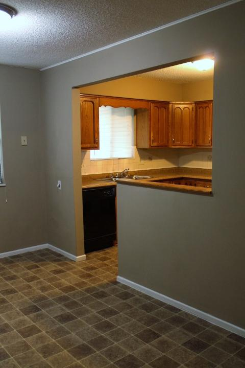 $1220 Three bedroom Apartment for rent