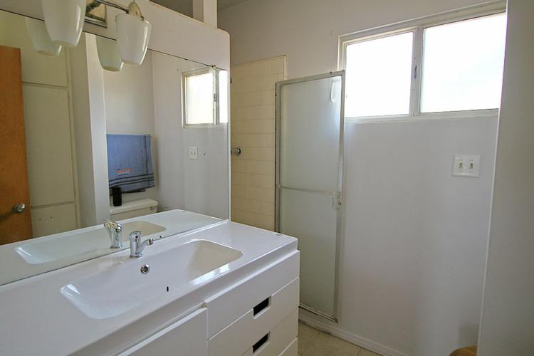 $2700 / 4br - 1809sqft - Cozy Contemporary Home for Lease in Monterey Park!