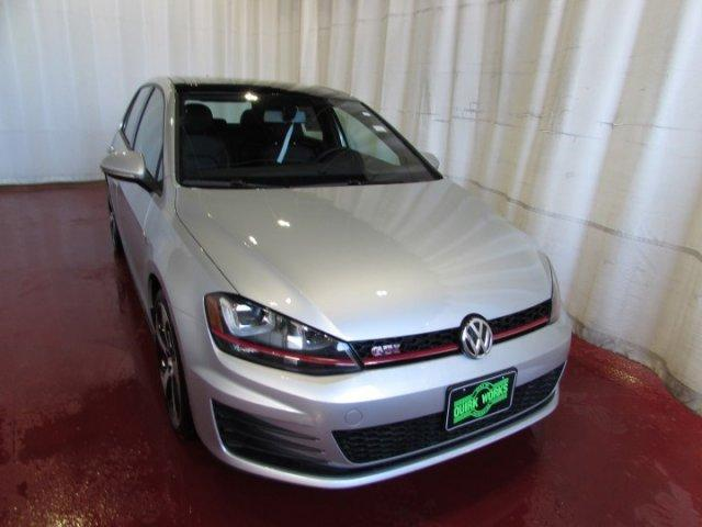 Volkswagen Golf GTI SE 4-Door 2017