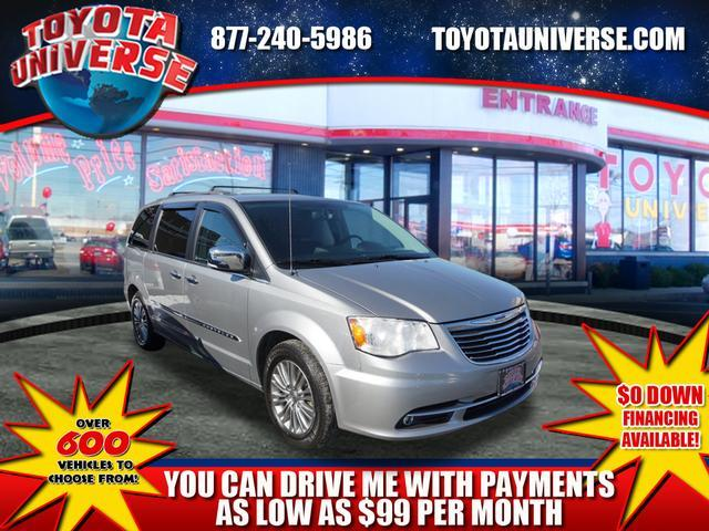 Chrysler Town & Country 30th Anniversary 2014