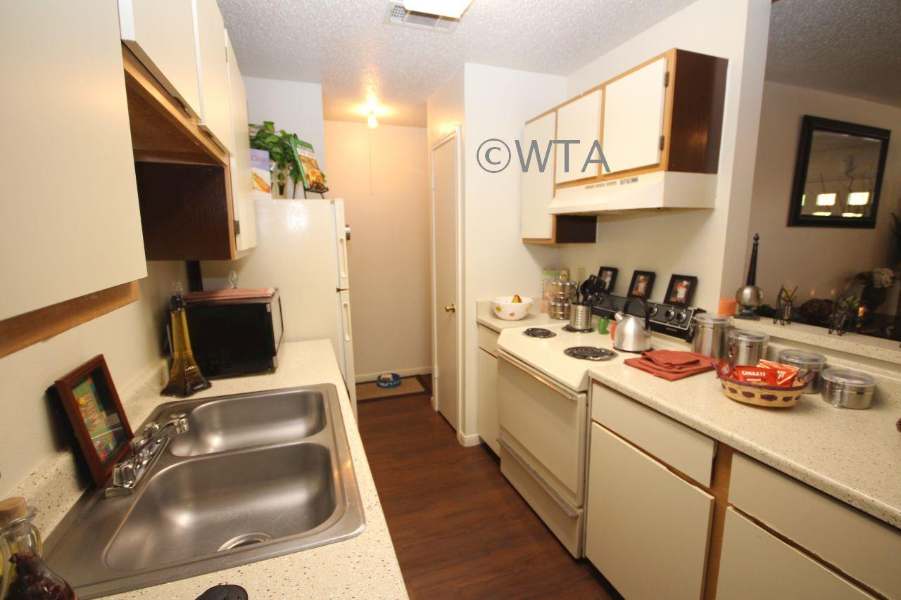 $1090 Two bedroom Townhouse for rent
