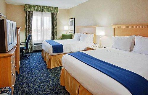 Holiday Inn Express & Suites Sacramento Airport Natomas