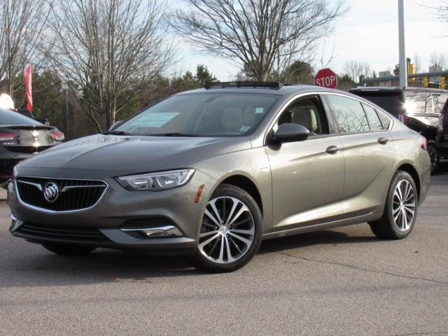 Buick Regal Sportback 4dr Sdn Essence FWD 2018