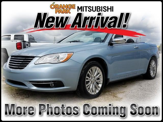 Chrysler 200 LIMITED V6 2012