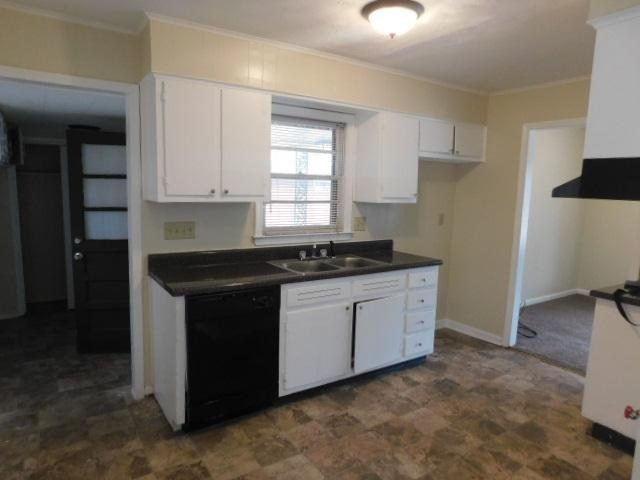 $856 Three bedroom Apartment for rent