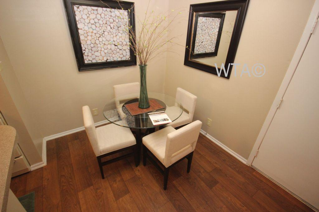 $1000 Two bedroom Apartment for rent