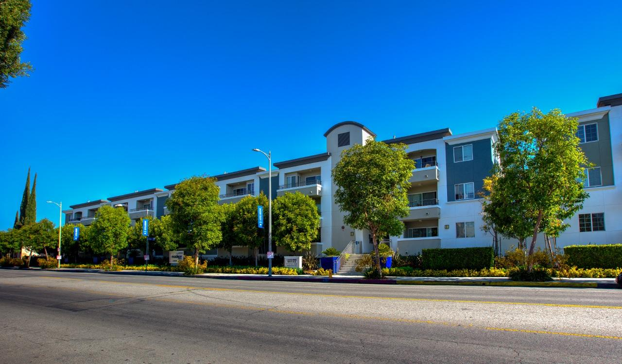 $5105 Three bedroom Apartment for rent