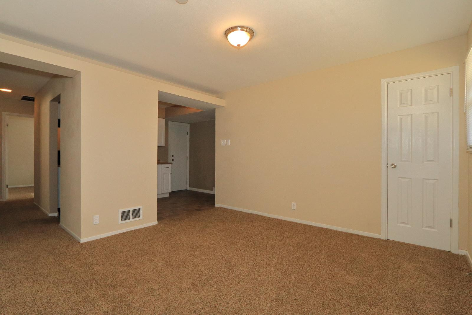 $865 Three bedroom Apartment for rent