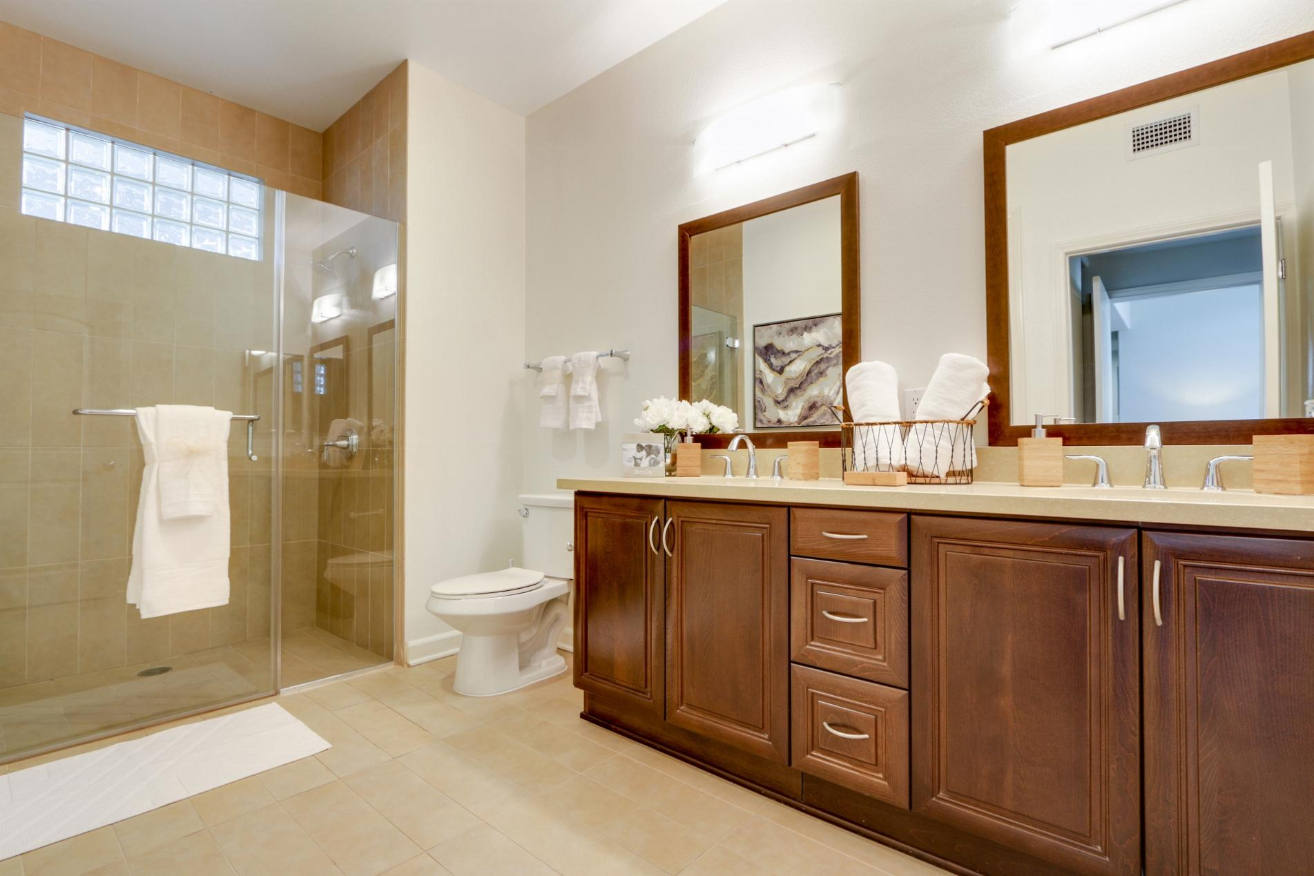 $5270 One bedroom Apartment for rent