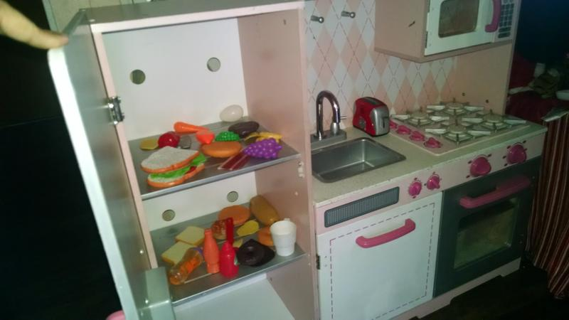 Girls kitchen