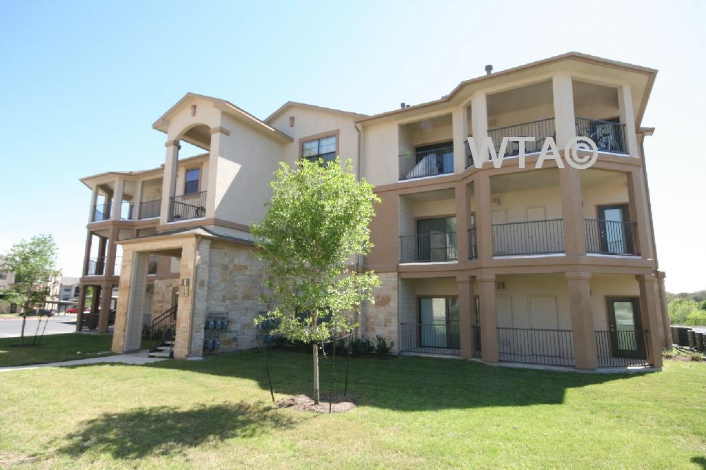 $1621 Three bedroom Apartment for rent