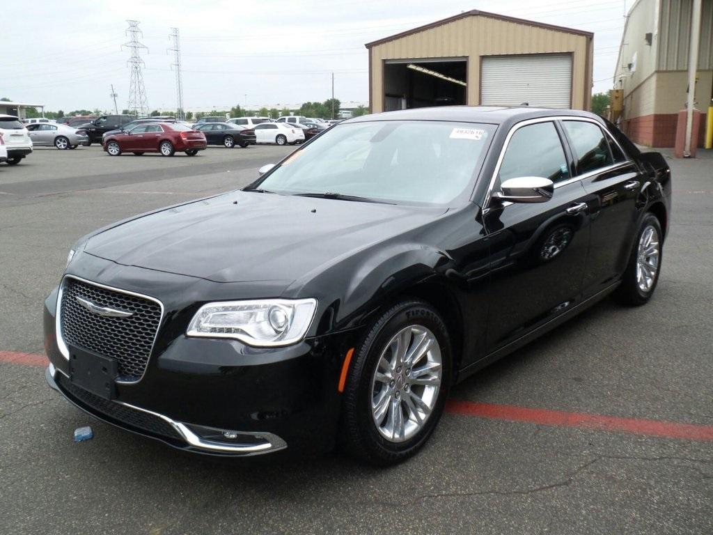 Chrysler 300 Base 2016