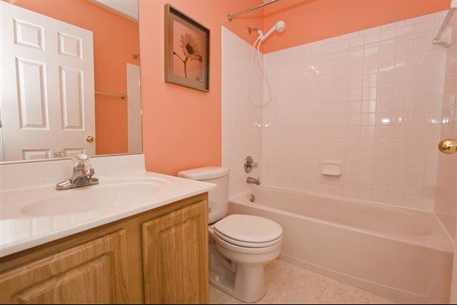 Single Family Home/ 3 Bed,  3½ Bath