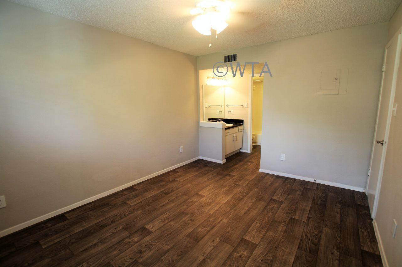 $1021 Studio Apartment for rent