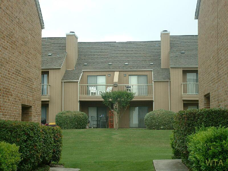 $985 Two bedroom Townhouse for rent