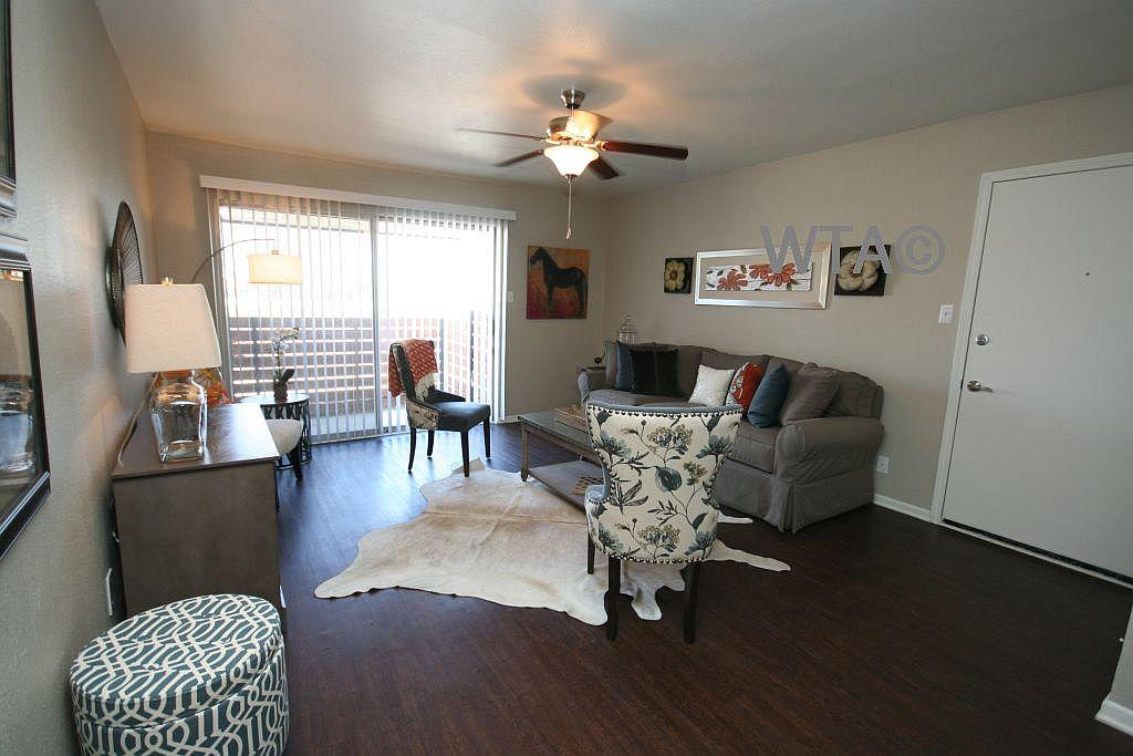 $1054 Two bedroom Apartment for rent