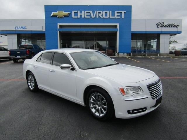 Chrysler 300 Base 2013