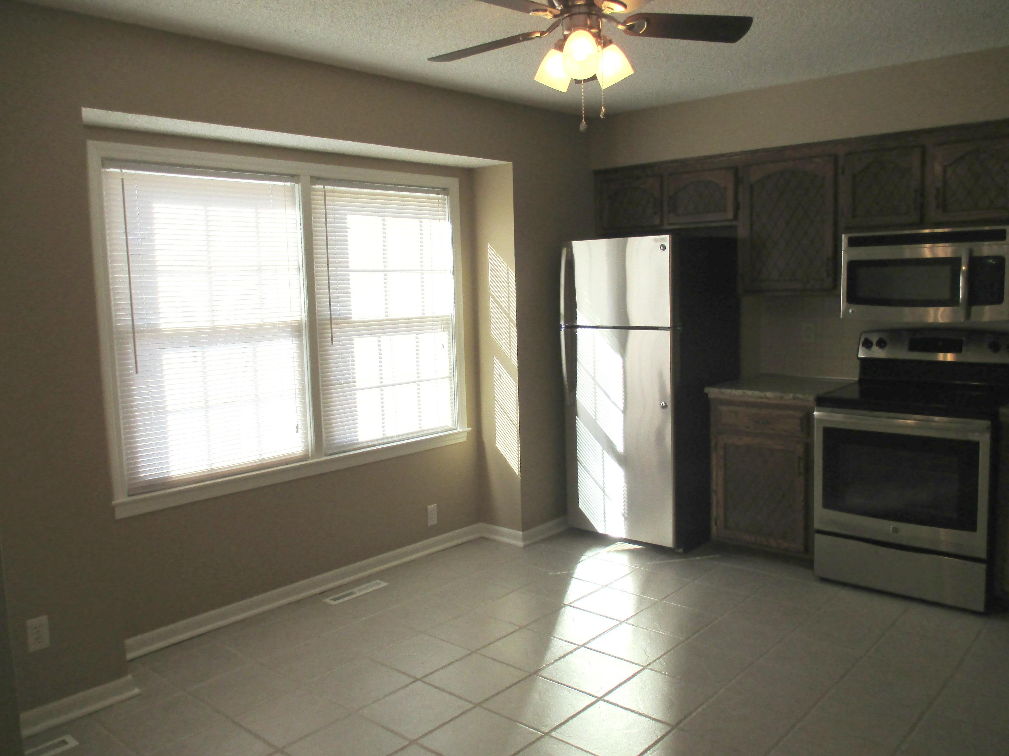 $1495 Three bedroom Apartment for rent