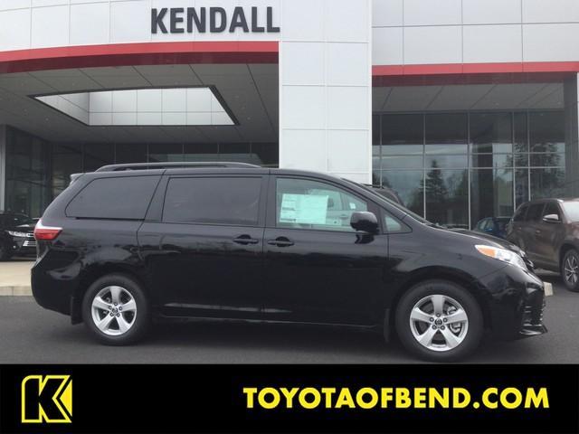 Toyota Sienna LE 2018