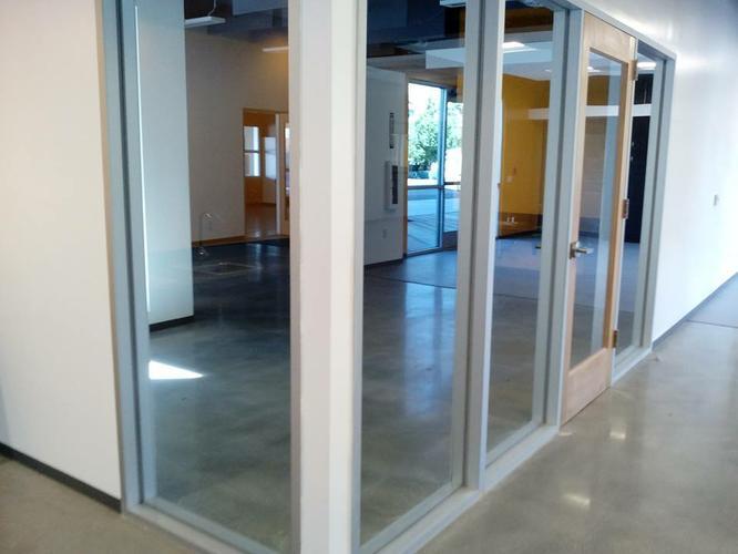 Glass, windows, screens, shower doors (323)237-2706