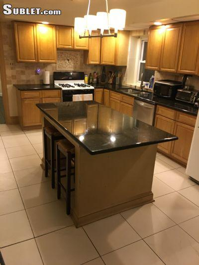 $685 Five+ bedroom Townhouse for rent