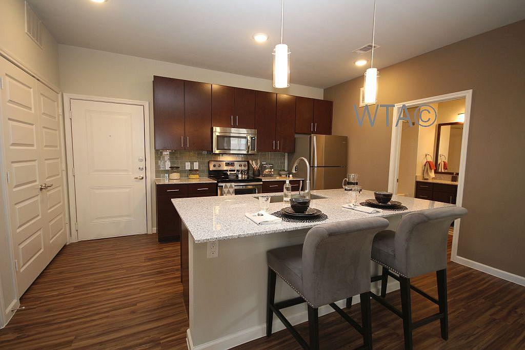 $1660 Three bedroom Apartment for rent