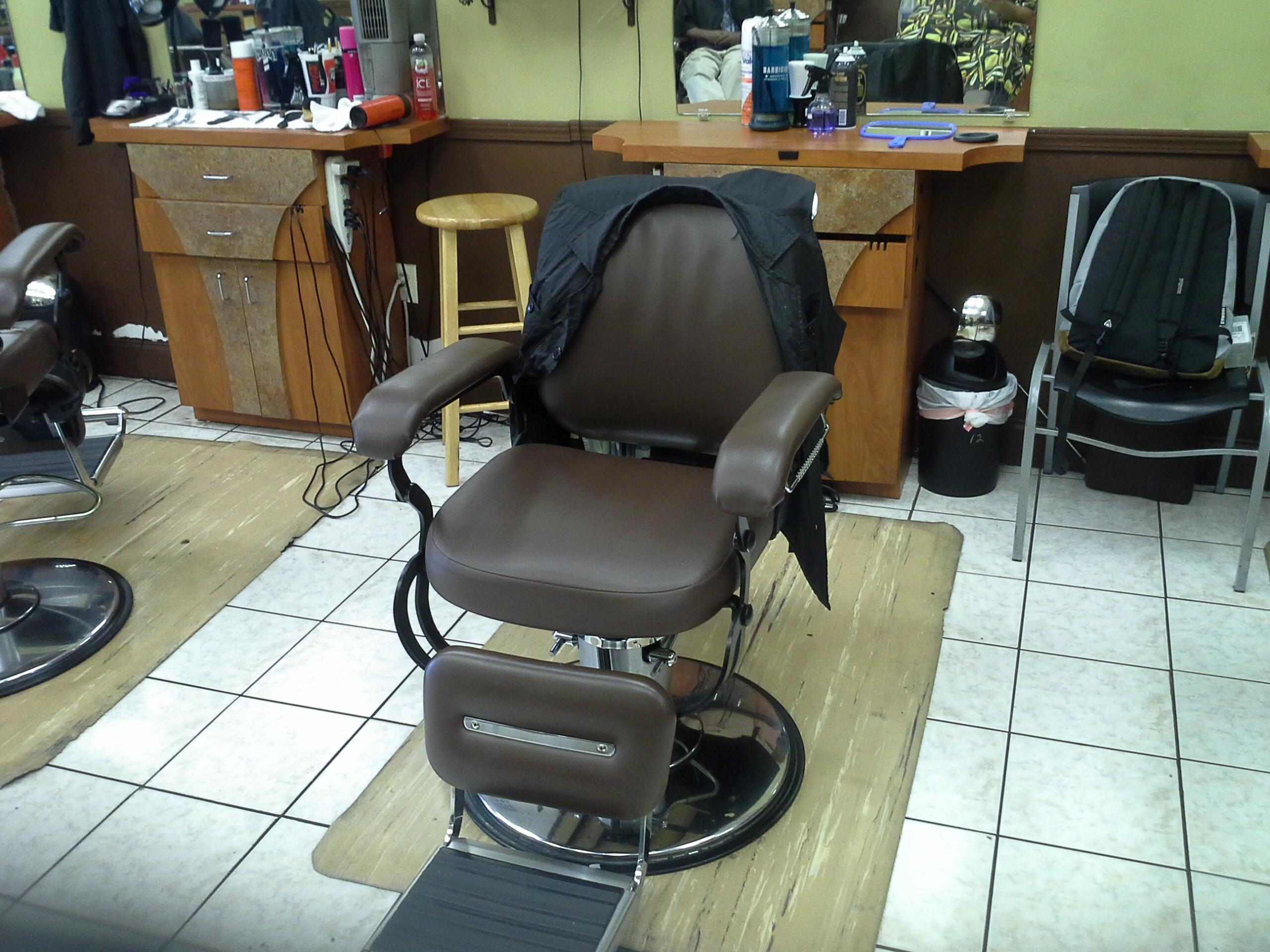 Future Cuts Barbershop