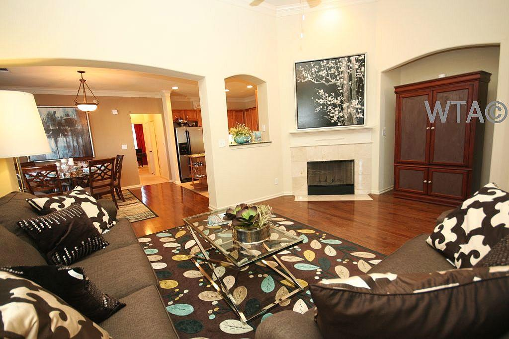 $1875 Three bedroom Apartment for rent