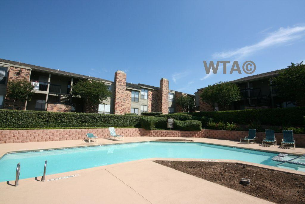 $755 One bedroom Townhouse for rent