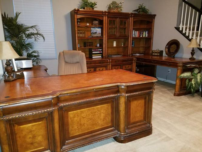 Solid Wood 12 Piece Lighted Office Suite