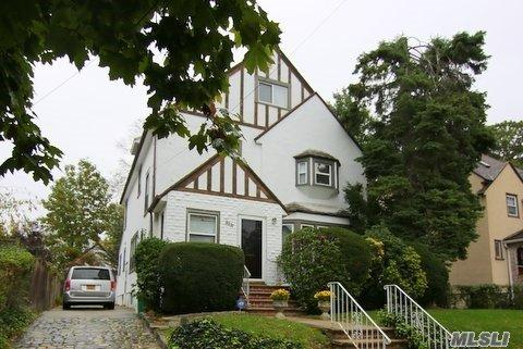 (LOP) Beautiful 1 Family Tudor Style Home In North Flushing For Sale