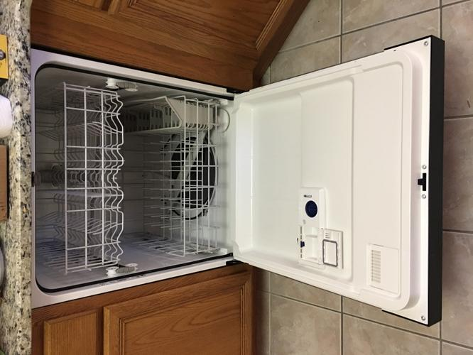BRAND NEW Brand New Whirlpool Stainless Steel Dishwasher (Out of Box)