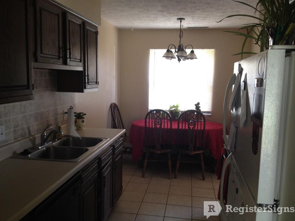 $760 Two bedroom Townhouse for rent