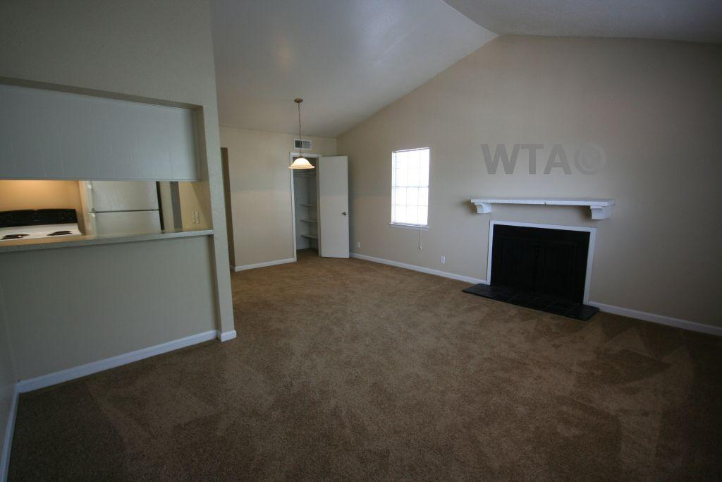 $709 One bedroom Townhouse for rent