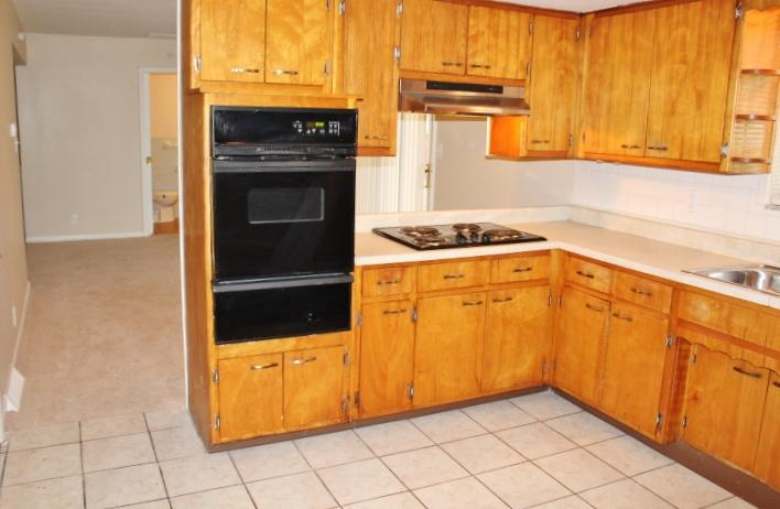 $1049 Four bedroom Apartment for rent