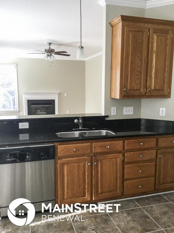 $2195 Four bedroom Apartment for rent
