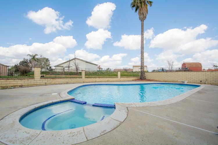 Jurupa Valley Horse Property with Swimming Pool 4BR/2.25