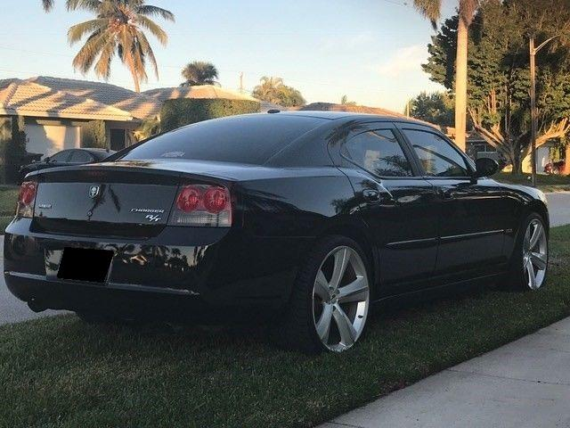 2009 Dodge Charger RT for sale, excellent shape!!