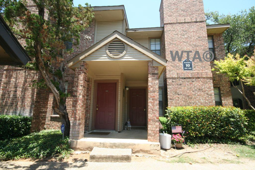 $1325 Three bedroom Apartment for rent