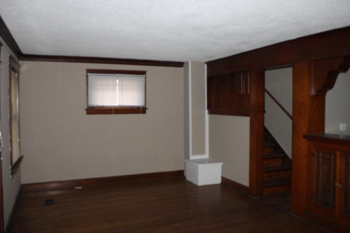 $915 Three bedroom Apartment for rent