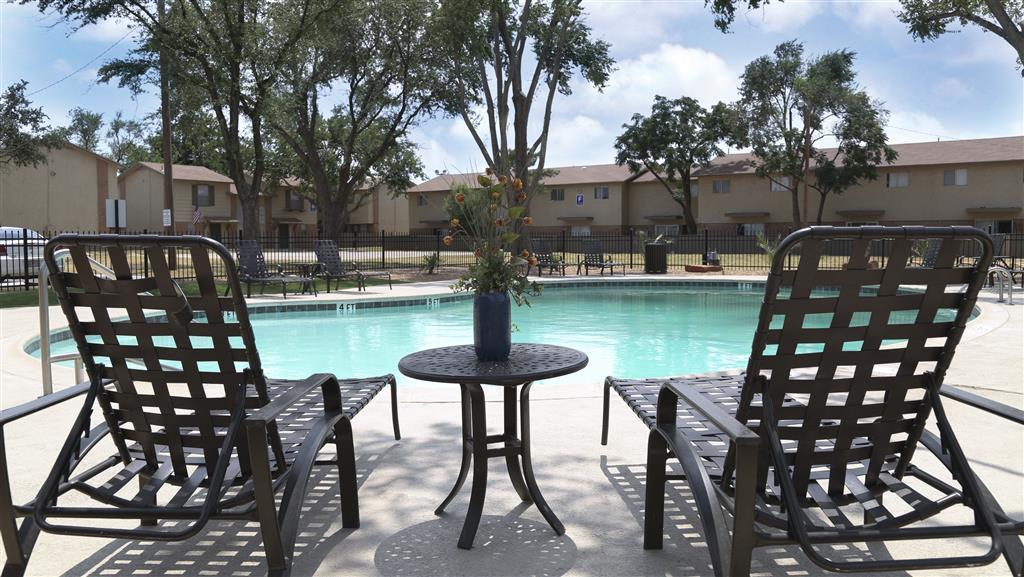 $2075 Three bedroom Apartment for rent