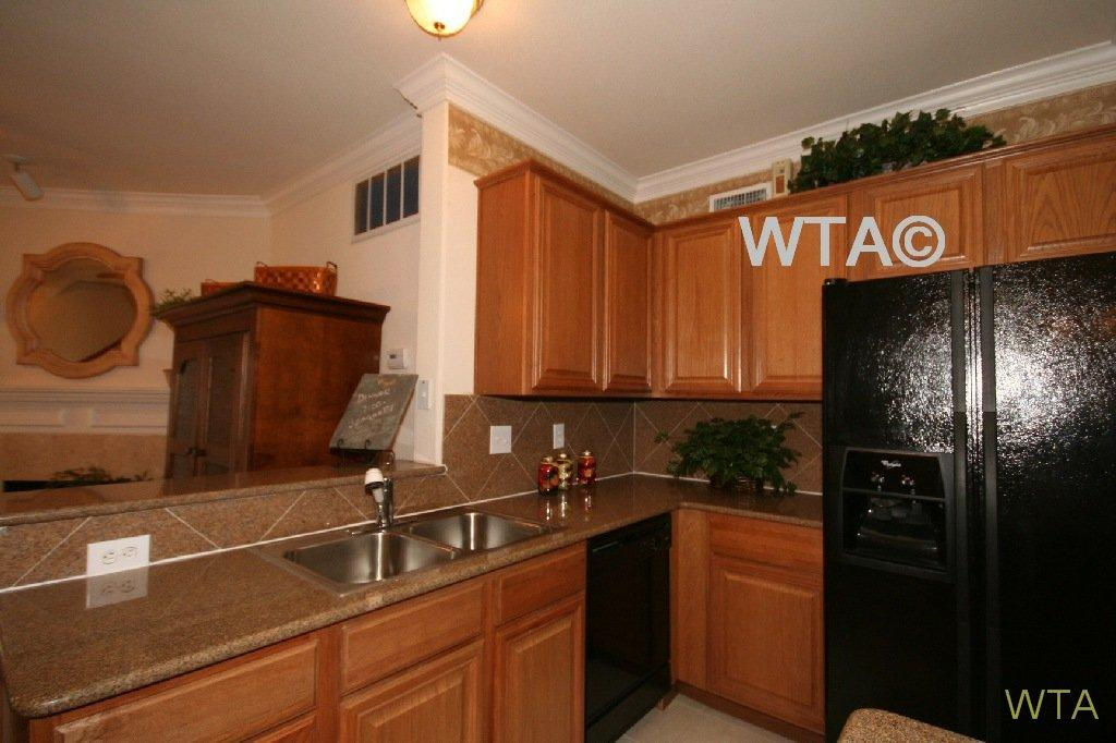 $1099 One bedroom Townhouse for rent