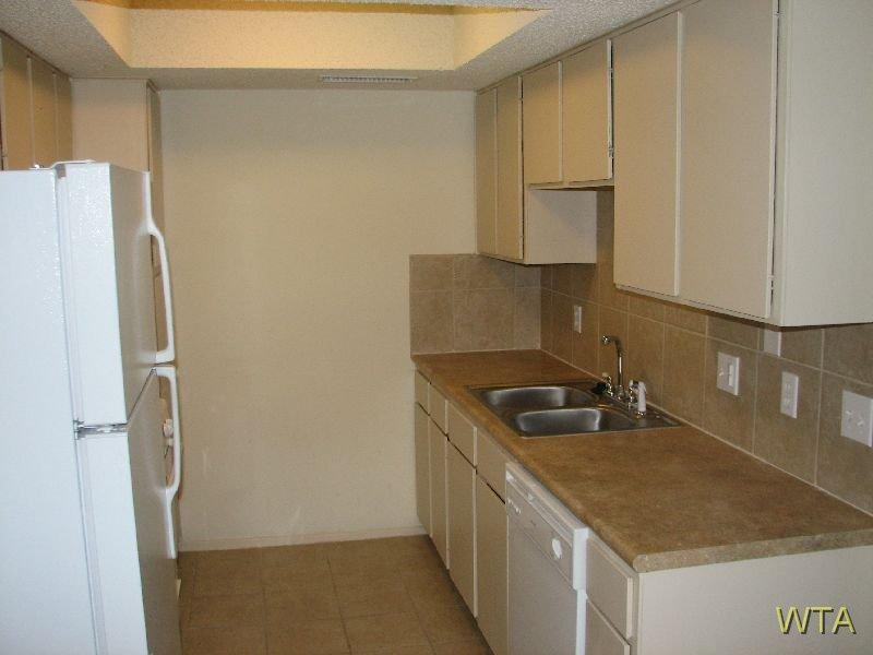 $1025 Two bedroom Apartment for rent