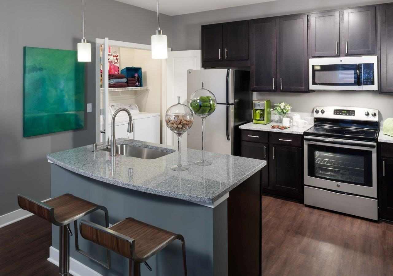 $1625 Three bedroom Apartment for rent