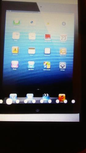 New Apple iPad 2  32GB, with Wi_Fi, 9.7in - Black