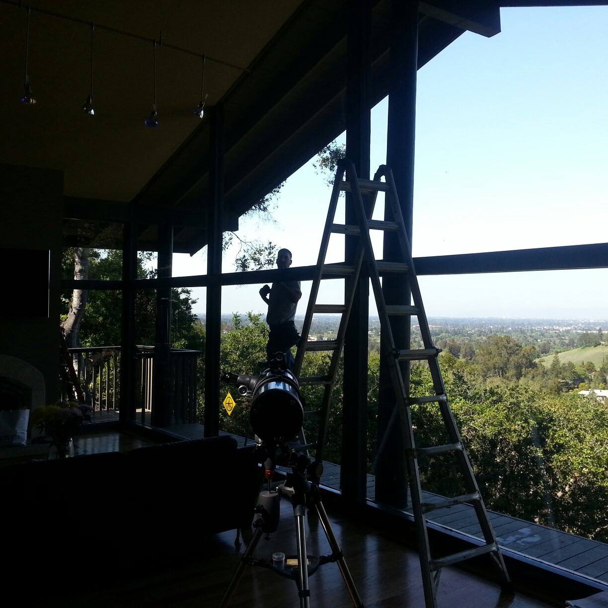 R12 Window Cleaning