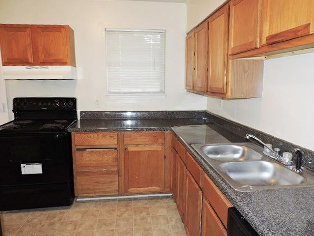 $821 Three bedroom Apartment for rent